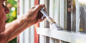 Holzfenster-mit-Sprossen-Aufmacher