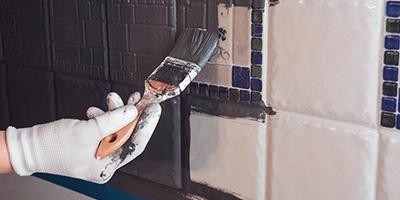 Fliesen-streichen-mit-Kreidefarbe-Aufmacher